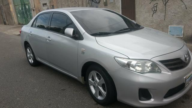 Toyota Corolla 1.8 GLI 2012 AUT extra! banco de couro, aceito motos e carros menor valor - Foto 3