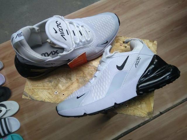 Masculino e Feminino Authentic Feet a6ac89ee968b10  Tênis Nike Air 270  Branco com preto - Roupas e calçados - Centro . 3a502cc2cc5db