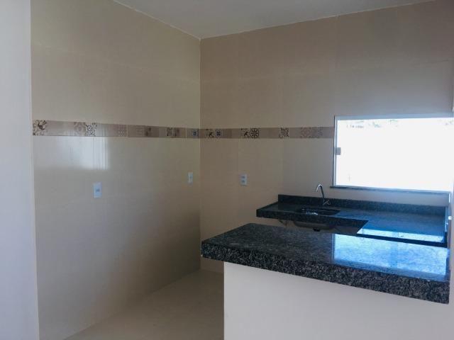 Linda casa com documentação gratis:fino acabamento, 3 quartos , 2 banheiros , 3 vagas - Foto 9