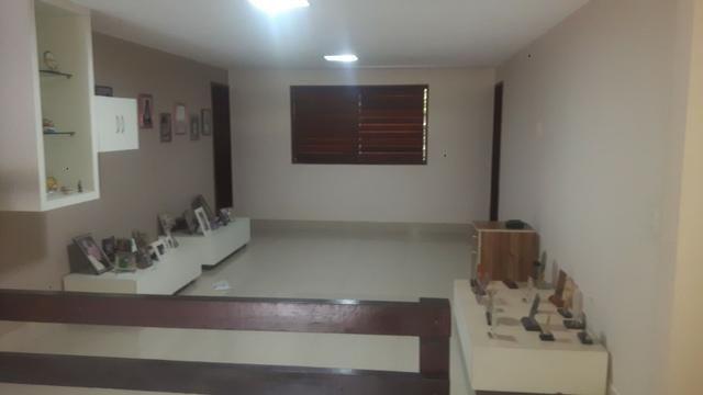 Casa no Bairro Sapiranga com 526 m² ,13 quartos,piscina e deck - Foto 12