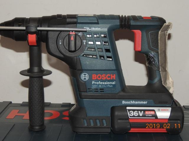 Martelete rotativo Bosch bateria 36 volts - Foto 3