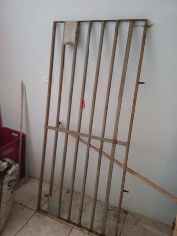 Janela e gradiados de ferro - Foto 4