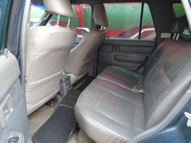 Toyota Hilux 94 SW4 Tração 4x4 V6 Automática Couro Teto Ar Só 29.990 Troco/Passo Cartão - Foto 2