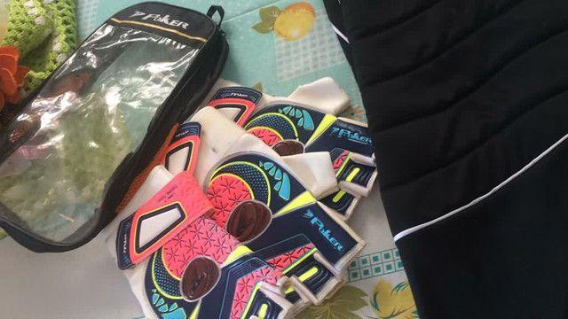 Calça de goleiro com par de luvas  futsal  - Foto 2