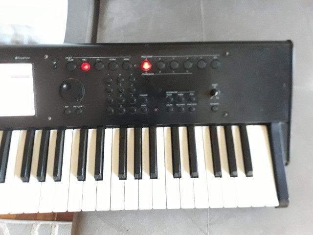 M50 Korg parcelo no cartão/ML avalio troca por teclado arranjador c/ritmos - Foto 2