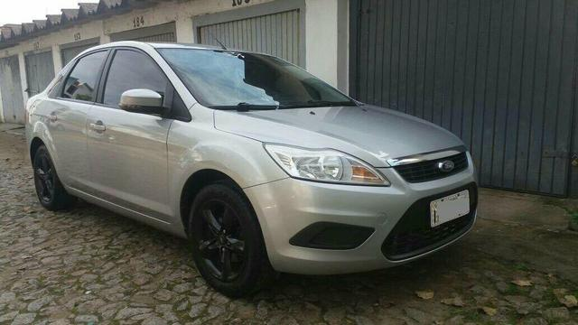 FORD FOCUS SEDAN GLX TOP D LINHA