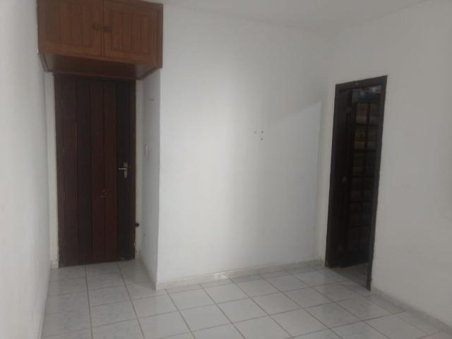 Kitnet itapuan suíte individual quarto e banheiro itapuã