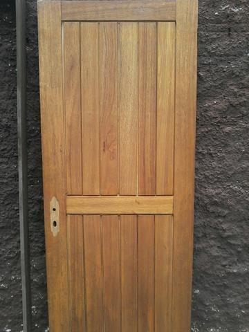 Vendo porta de madeira externa
