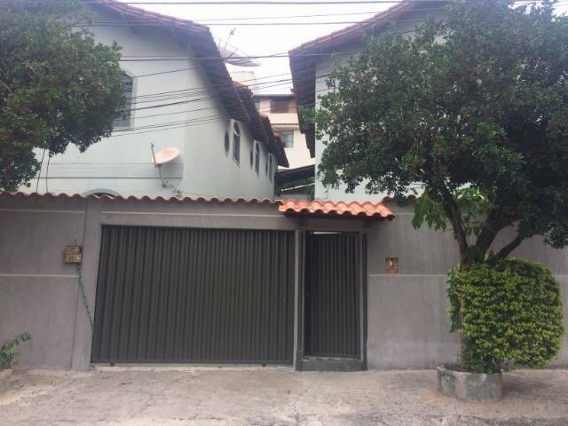Casa geminada 900,00
