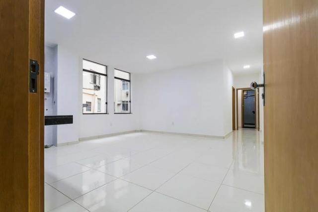 Centro da Cidade 2 qtos 75m² iptu,prédio com elevador (Reformado) - Foto 2
