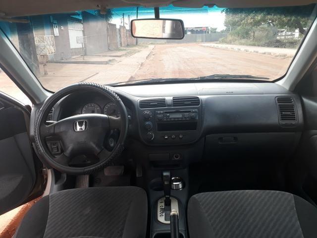 Honda Civic automático 2002 pra interior vendo ou troco - Foto 6