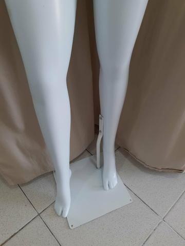 Manequin plástico brilhoso - Foto 4