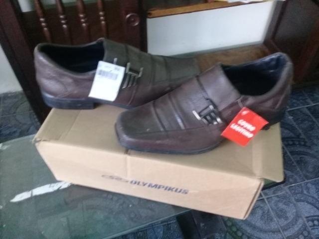 Lindo sapato social n 41 em couro legitimo,na caixa sem uso - Foto 2