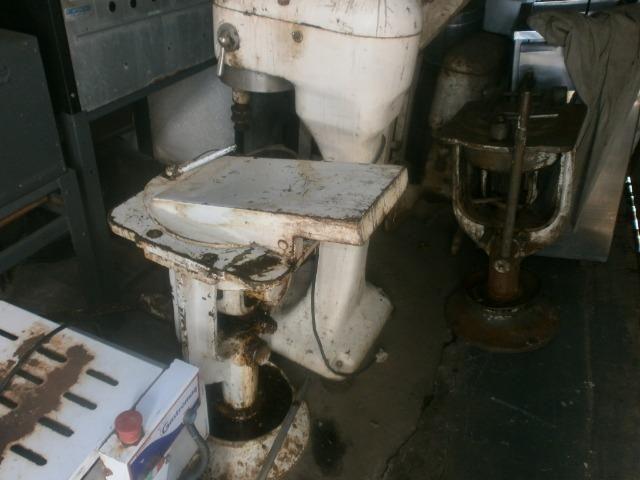 Divisora de pães - industrial - precisando de limpeza e ajustes - Foto 2