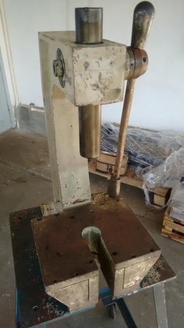 Prensa manual cremalheira 4 toneladas - Foto 6