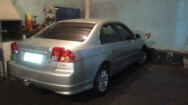 Honda Civic 1.7 4 portas