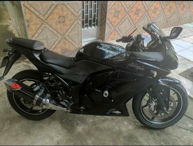Kawasaki Ninja 250r * Leia a Descrição