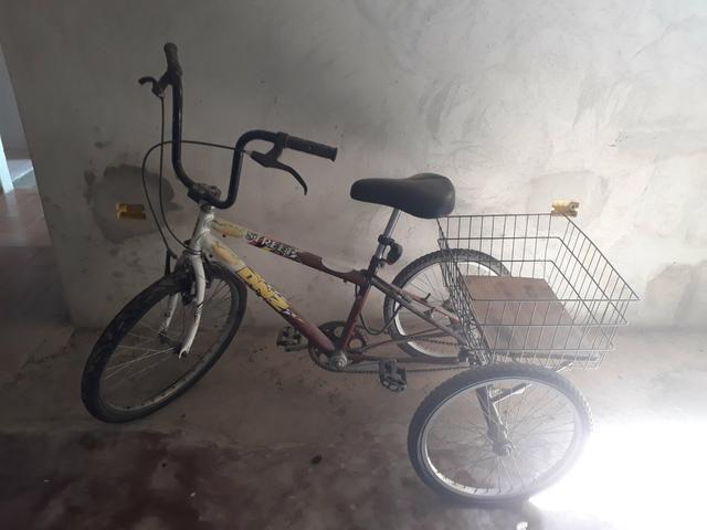 c75773980 Bicicleta seminova estilo triciclo em São José dos campos SP ...