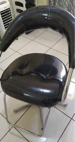 Cadeira, lavatório e carrinho auxiliar - Foto 3