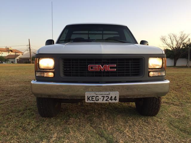 Vendo ou troco Gmc 3500 hd 2001