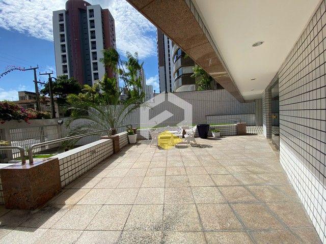 Apartamento para venda possui 211 metros quadrados com 3 quartos em Meireles - Foto 5