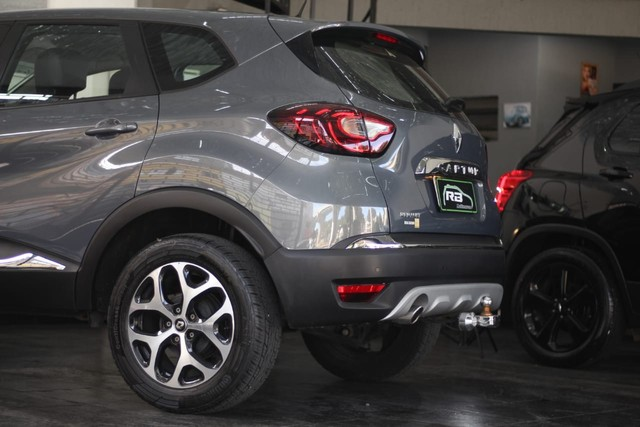 Renault Captur intense 1.6 Automática 13mil Km apenas  - Foto 7