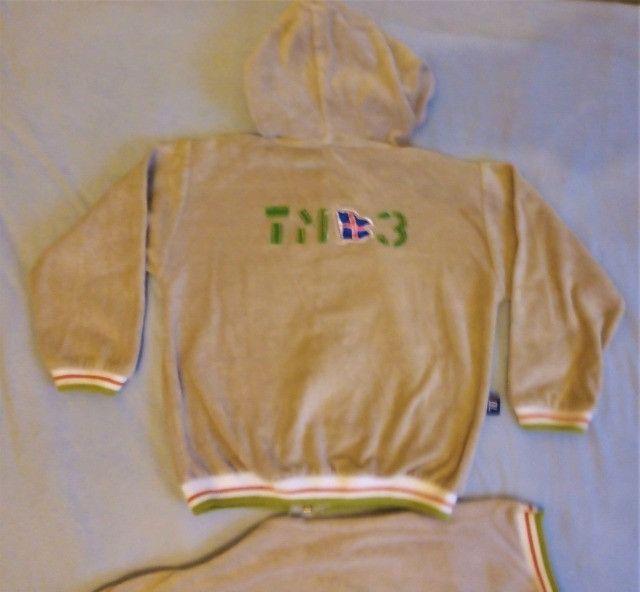 Conjunto Plush T.2 anos seminovo jaqueta e calça - Foto 2