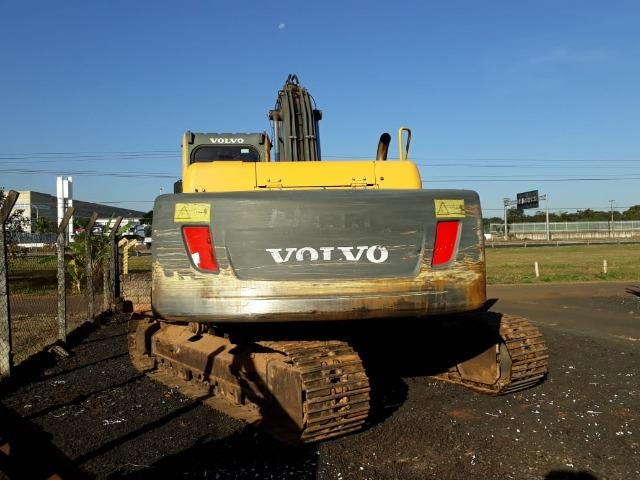 Escavadeira Volvo EC210 ano 2010 - Foto 4