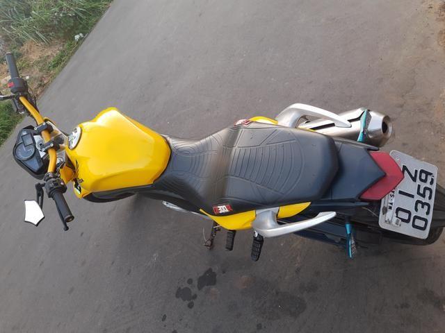 Vendo Moto Honda CB 300R 2012 bem conservada por apenas R$ 6.000,00 - Foto 3