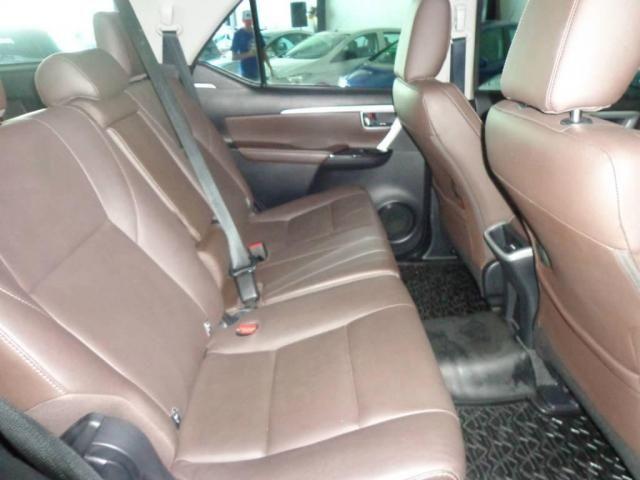 Toyota Hilux SW4 SW4 2.8 SRX AUT. 4X4 7 LUGARES - Foto 19