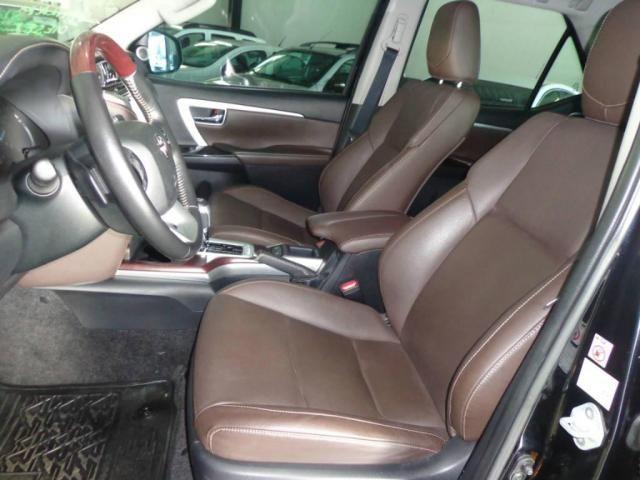 Toyota Hilux SW4 SW4 2.8 SRX AUT. 4X4 7 LUGARES - Foto 6