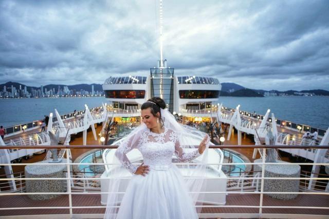 Vendo Lindo Vestido de Noiva