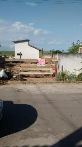 Vende-se lote na vila de Itapemirim