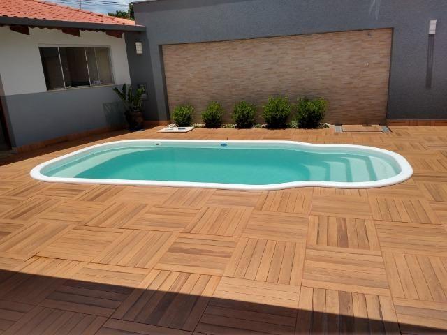 Excelente casa com piscina no bairro valparaiso em patos de minas/mg