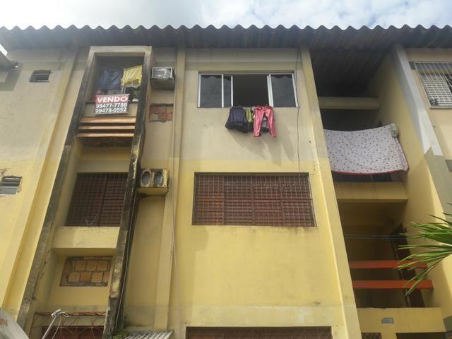 V apartamento condomínio Vale do Sol 1