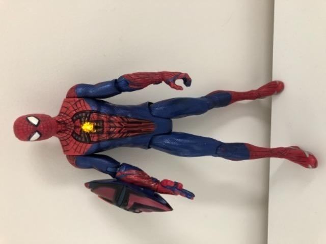 Boneco homem aranha marvel que fala