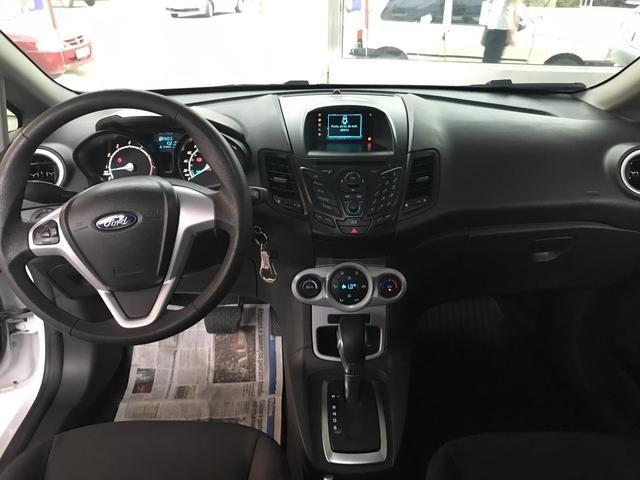Ford New Fiesta 2017 AUTOMÁTICO 1.6 - Aceito Trocas- Carro impecável - Foto 5