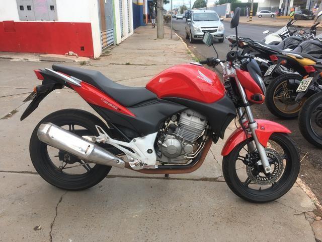 Honda CB300R * Financiamos com as melhores taxas