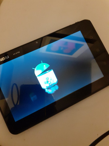 Tablet Hyundai com defeito