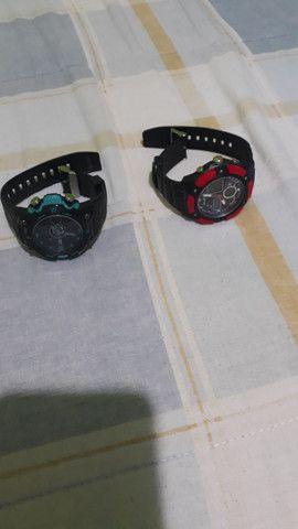 2 relógio masculino novinho sem uso