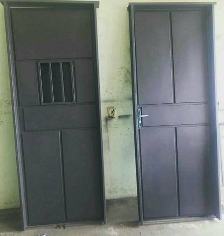 Portas de ferro