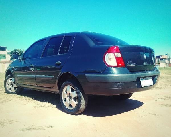 Clio Sedan 2004 1.6 16V Completo - VENDO OU TROCO POR CELTA OU PALIO - Foto 4