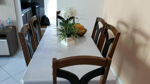 MESA 6 cadeiras com tampo de vidro. 500,00 tem conversa no valor. Passo passar no cartão - Foto 2