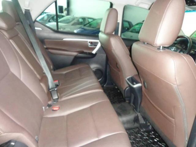 Toyota Hilux SW4 SW4 2.8 SRX AUT. 4X4 7 LUGARES - Foto 10