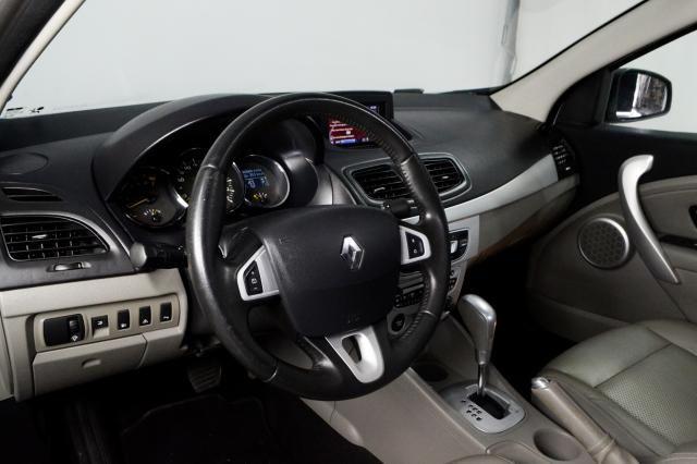 Renault FLUENCE Sedan Privilège 2.0 16V FLEX Aut - Prata - 2011 - Foto 8