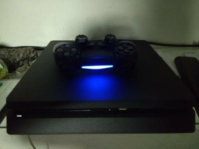 Playstation 4 1Tb Slim + 4 Jogos - Foto 3