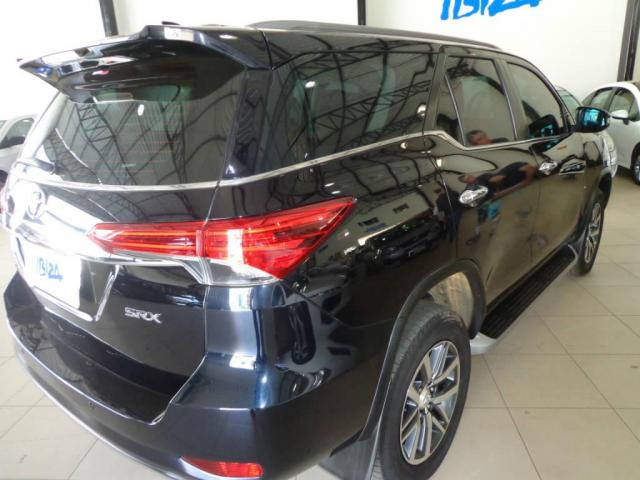 Toyota Hilux SW4 SW4 2.8 SRX AUT. 4X4 7 LUGARES - Foto 14