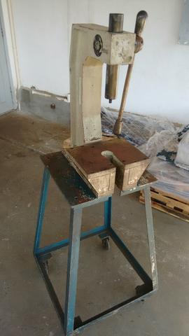 Prensa manual cremalheira 4 toneladas - Foto 4