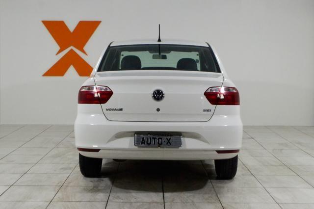 VolksWagen VOYAGE Trendline 1.6 T.Flex 8V 4p - Branco - 2018 - Foto 5