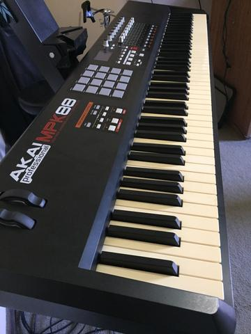 Piano Controlador Akai teclas peso piano